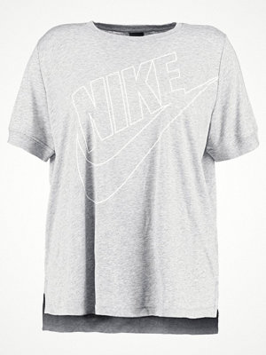 Nike Sportswear W NSW TOP SS PREP FUTURA EXT Tshirt med tryck  grey