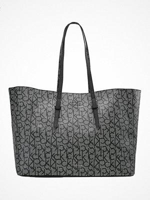 Calvin Klein mönstrad shopper Shoppingväska granite monog
