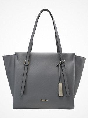 Calvin Klein grå shopper M4RISSA Shoppingväska steel grey