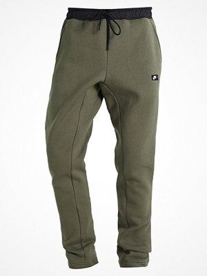 Nike Sportswear MODERN Träningsbyxor medium olive/black