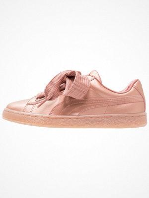 Sneakers & streetskor - Puma BASKET HEART COPPER WNS Sneakers copper rose