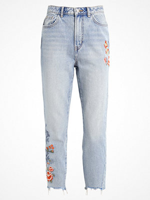 New Look EMBROIDERED MOM  Jeans relaxed fit pale blue
