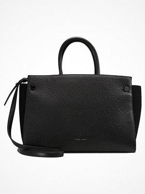 Calvin Klein JASMINE  Handväska black
