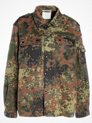 Soniush MAKE LOVE NOT WAR Tunn jacka camouflage dark