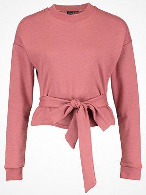 Lost Ink BELTED CROP Sweatshirt dark pink