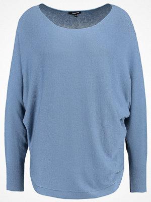 More & More Stickad tröja smoky blue