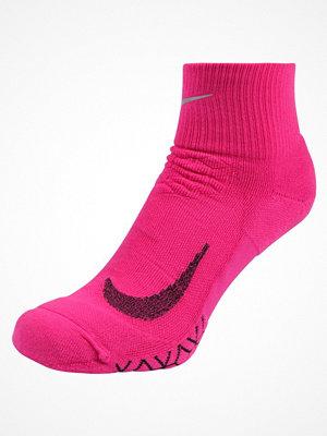 Nike Performance Träningssockor lethal pink/black