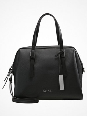 Handväskor - Calvin Klein Handväska black