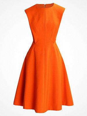 Karen Millen SCULPTURED TAILORED  Sommarklänning orange