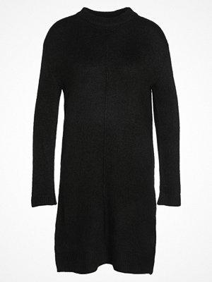 Even&Odd Stickad klänning black
