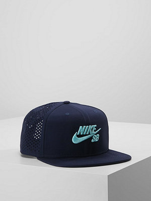 Kepsar - Nike Sb PRFORMANCE TRUCKER Keps obsidian/black/light aqua