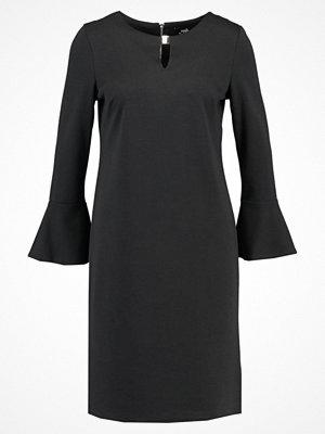 Wallis FLUTE SLEEVE  Fodralklänning black
