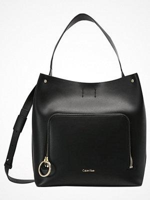 Handväskor - Calvin Klein NATASHA  Handväska black