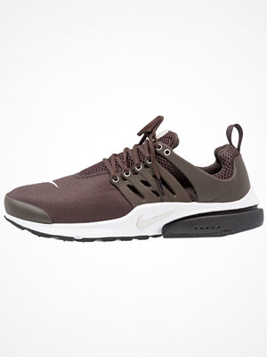 Nike Sportswear AIR PRESTO ESSENTIAL Sneakers brown/light bone/ridgerock/white/black