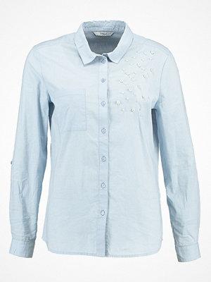 Skjortor - Only ONLPEARL Skjorta cashmere blue