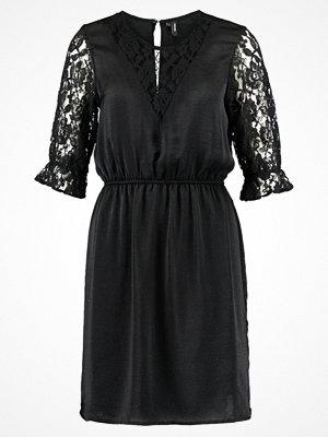 Vero Moda VMDELIA Cocktailklänning black