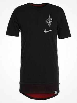 Nike Performance CLEVELAND CAVALIERS  Tshirt med tryck black/team red