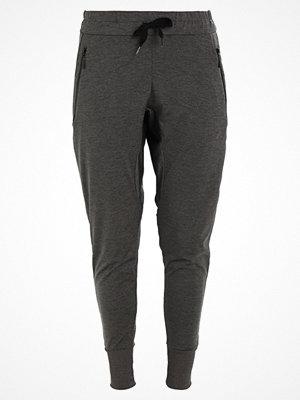 Sportkläder - Elle Sport ULTIMATE SLOUCH  Träningsbyxor black