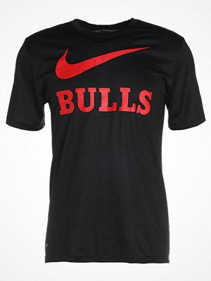 Nike Performance CHICAGO BULLS Tshirt med tryck black