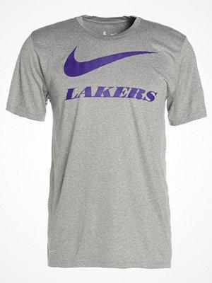 Nike Performance LOS ANGELES LAKERS  Tshirt med tryck dark grey heather