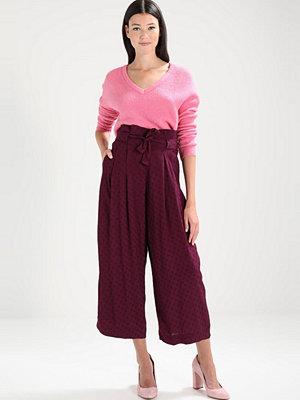 Only ONLCELIA  Stickad tröja aurora pink