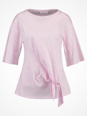 Finery London TISDAL KNOT Tshirt med tryck pink