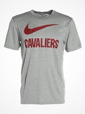 Nike Performance CLEVELAND CAVALIERS Tshirt med tryck dark grey heather