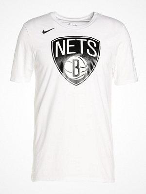 Nike Performance BROOKLYN NETS  Tshirt med tryck white