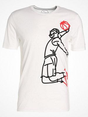 Sportkläder - Nike Performance FAMOUS Tshirt med tryck white/white