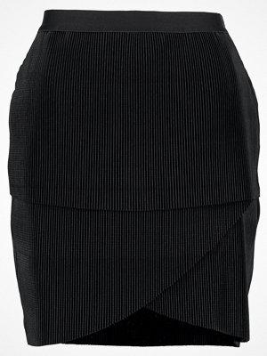 Vero Moda VMMONALISA  Veckad kjol black