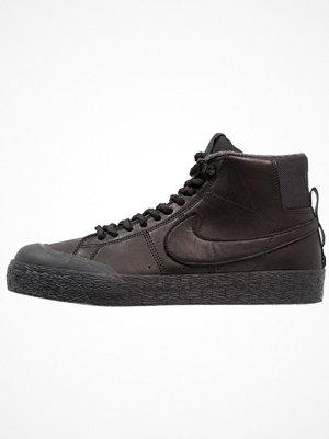 Nike Sb BLAZER ZOOM M XT BOTA  Höga sneakers black