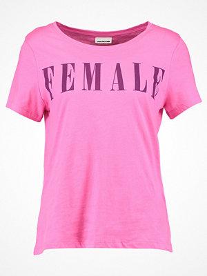 Noisy May NMNATE GIRLS TOP Tshirt med tryck carmine rose