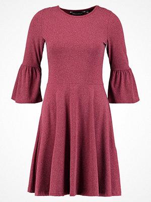 Dorothy Perkins FLUTE SLEEVE SOFT TOUCH  Jerseyklänning berry