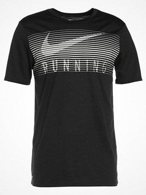 Sportkläder - Nike Performance DRY Tshirt med tryck black