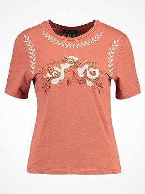 New Look Tshirt med tryck rust