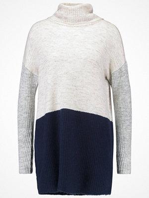 Vero Moda VMFORTUNA Stickad tröja navy blazer/lgm and lgm w. snow whi