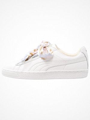 Puma BASKET HEART GEO CAMO Sneakers gray/violet