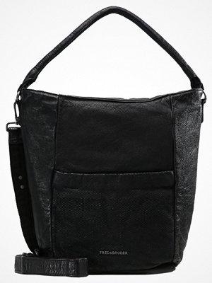 Handväskor - FREDsBRUDER COSMOPOLITAN Handväska black