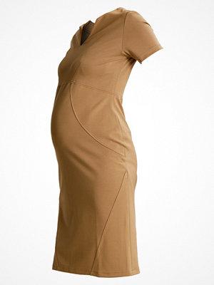 Slacks & Co. HONG KONG Jerseyklänning camel