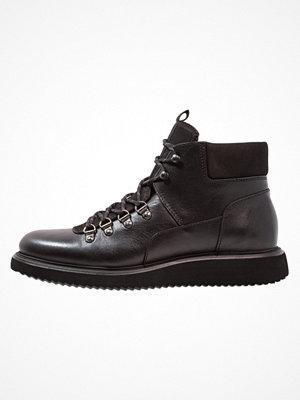 Boots & kängor - H by Hudson STANGE Snörstövletter black