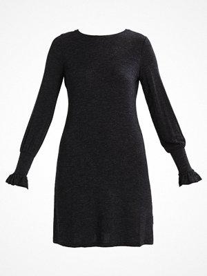 Dorothy Perkins RUCHE CUFF SWING Stickad klänning grey