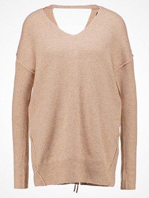 Miss Selfridge Stickad tröja camel