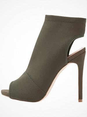 Sandaler & sandaletter - New Look SATIENCE Sandaletter dark khaki