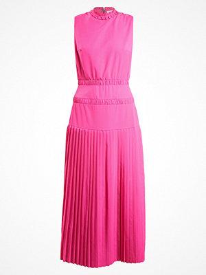 Malaika Raiss GENA  Maxiklänning electric pink