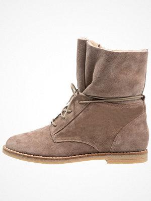 Boots & kängor - KIOMI Snörstövletter beige