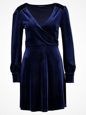 Even&Odd Sommarklänning dark blue