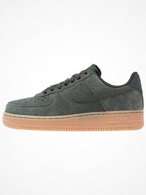 Nike Sportswear AIR FORCE 1 '07 SE Sneakers outdoor green/med brown/ivory