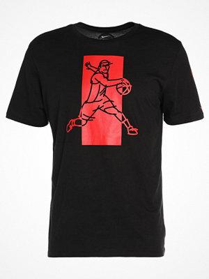 Nike Performance FAMOUS Tshirt med tryck black/black