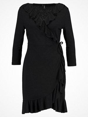 Vero Moda VMHENNA SHORT WRAP DRESS Jerseyklänning black