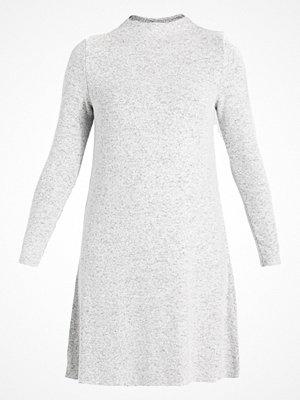 Only ONLKLEO DRESS Stickad klänning light grey melange